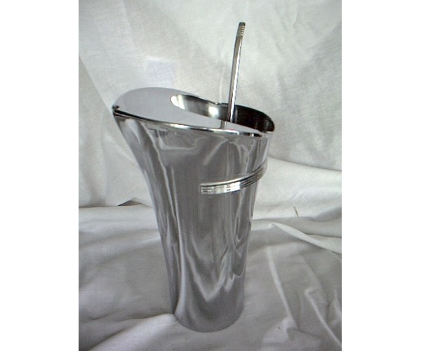 Chase Von Nesson Cocktail Shaker & stirrer