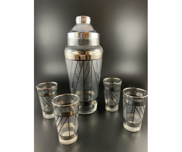 Cocktail Shaker Set with Art Deco patterns